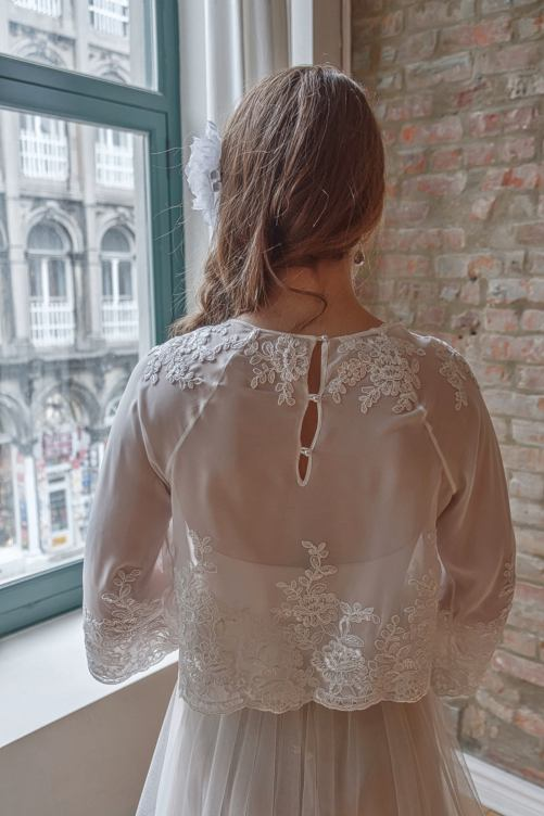 Anael_Stylish Bridal Bolero in Mousseline with sleeves and Lace Appliqués