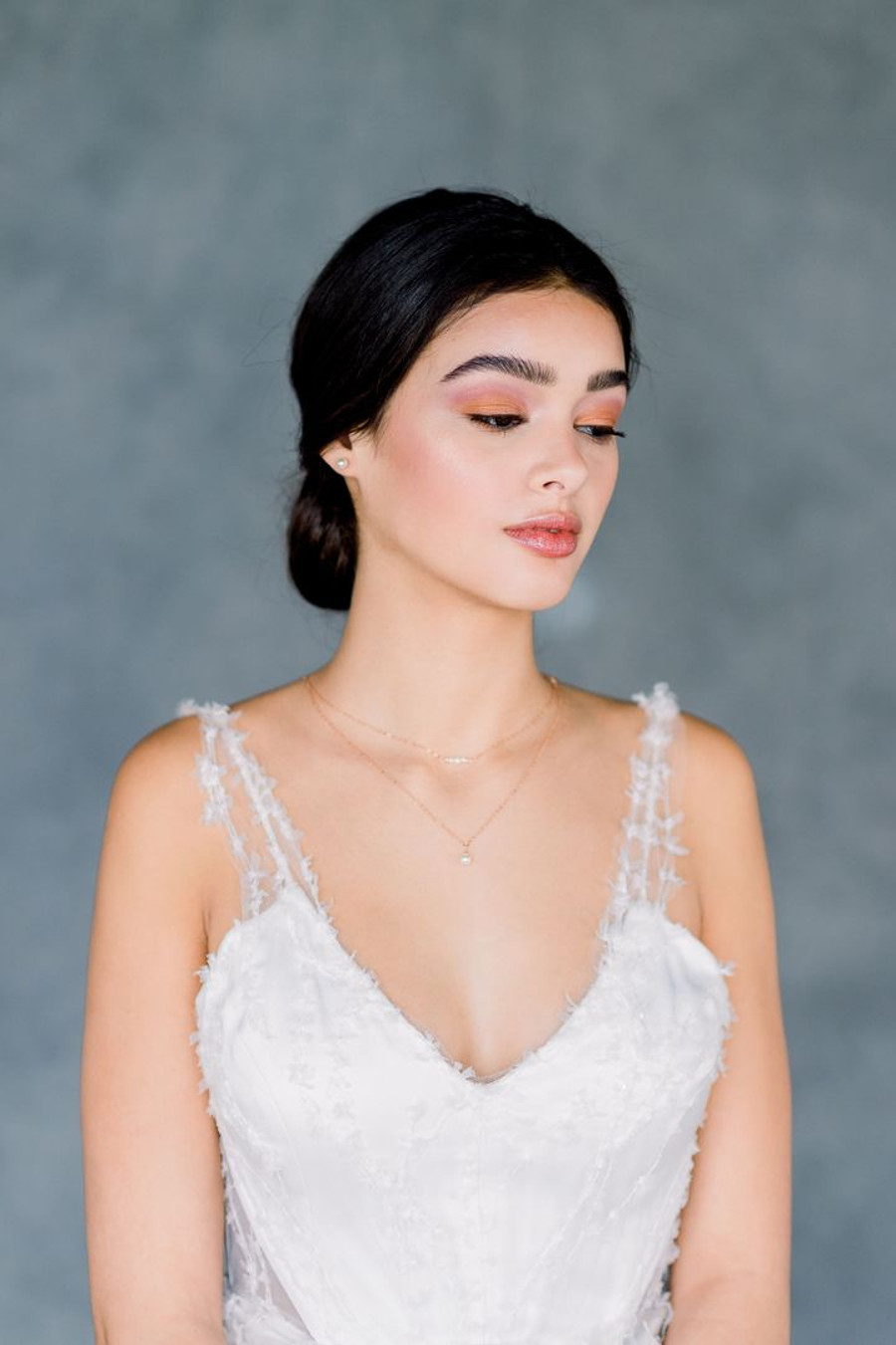 Evonne_Delicate Bridal Choker Necklace with Pearls