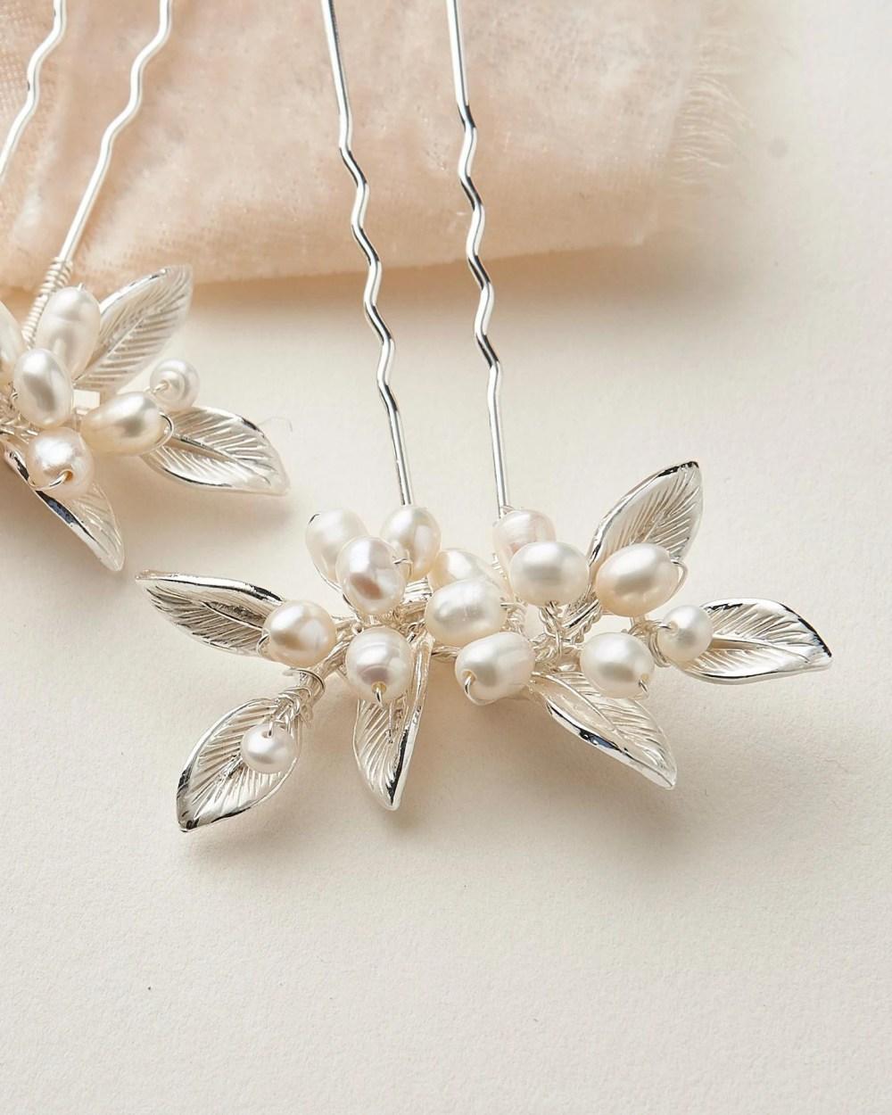 Briella_Set of Bridal Hair Pins with freshwater pearls