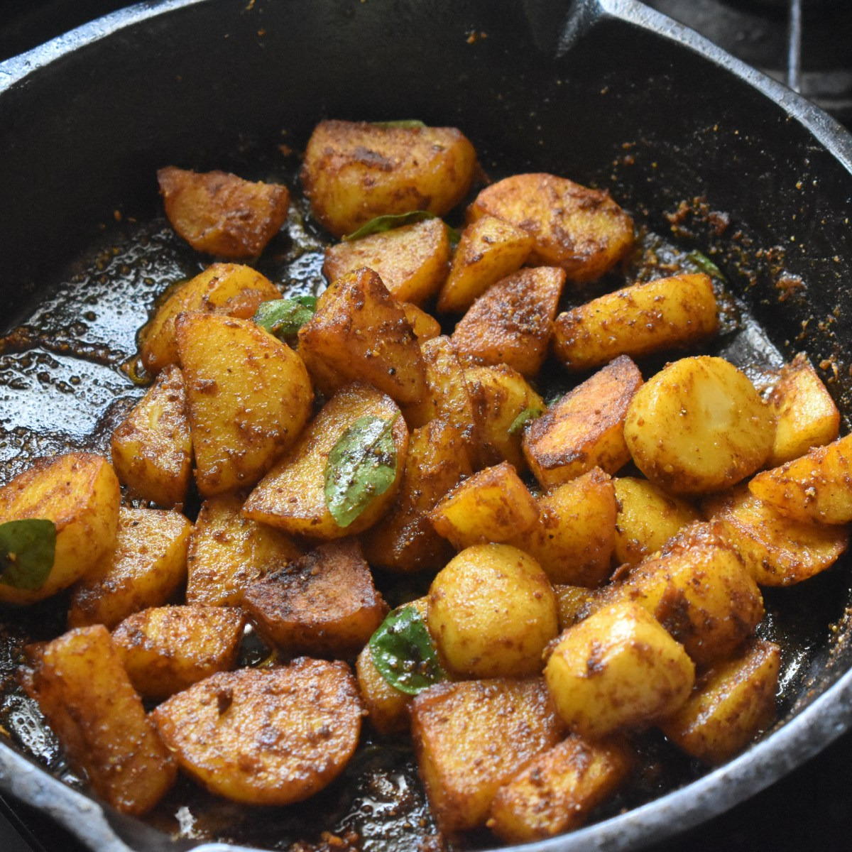 Parveen's Kitchen - Spicy potato roast
