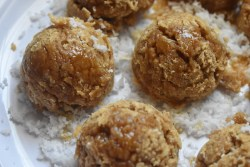 Roasted Rice Coconut Balls