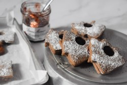 Raspberry Gingerbread Linzer Cookies - Parveenskitchen.com
