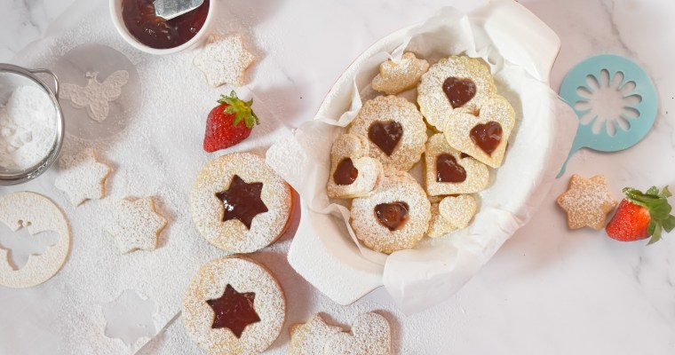 Simple Classic Linzer Cookies