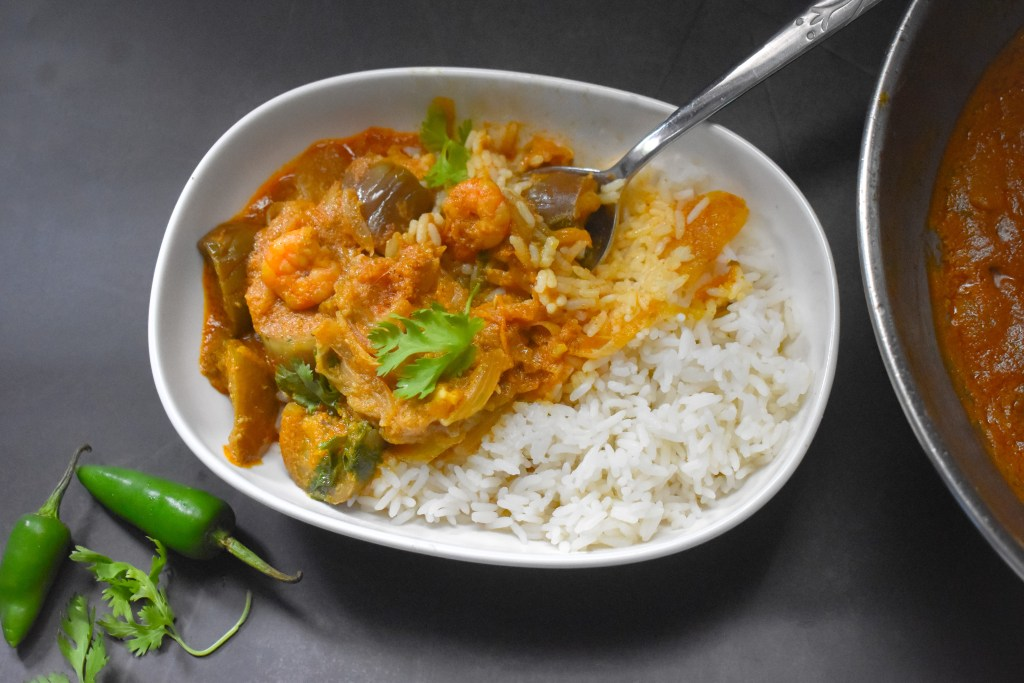 Simple Prawn Brinjal Curry - Parveenskitchen.com
