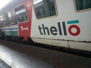 Tren Thello - un poco viejo por fuera pero por dentro perfecto
