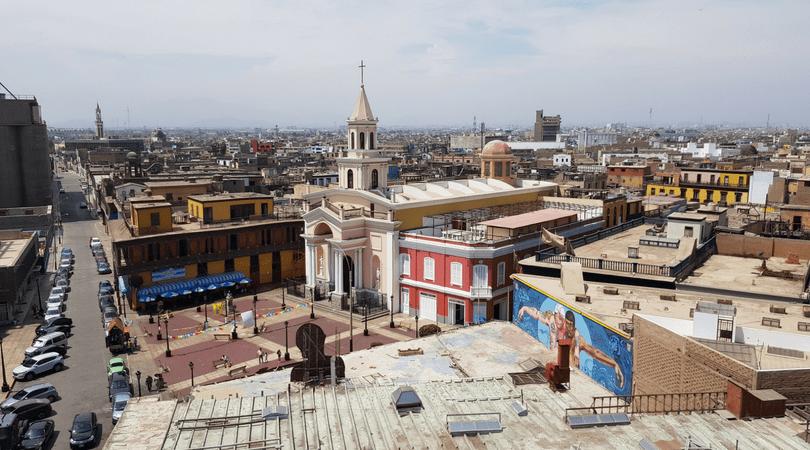 Vistas del Callao Monumental desde la azotea de Casa Fugaz