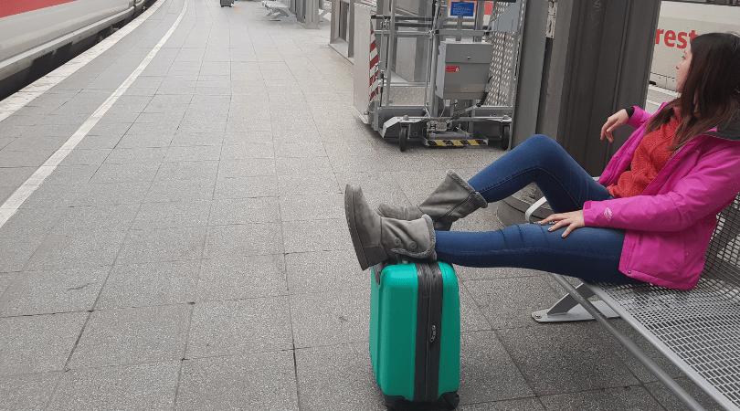 Esperando en tren entre Colonia y Amsterdam