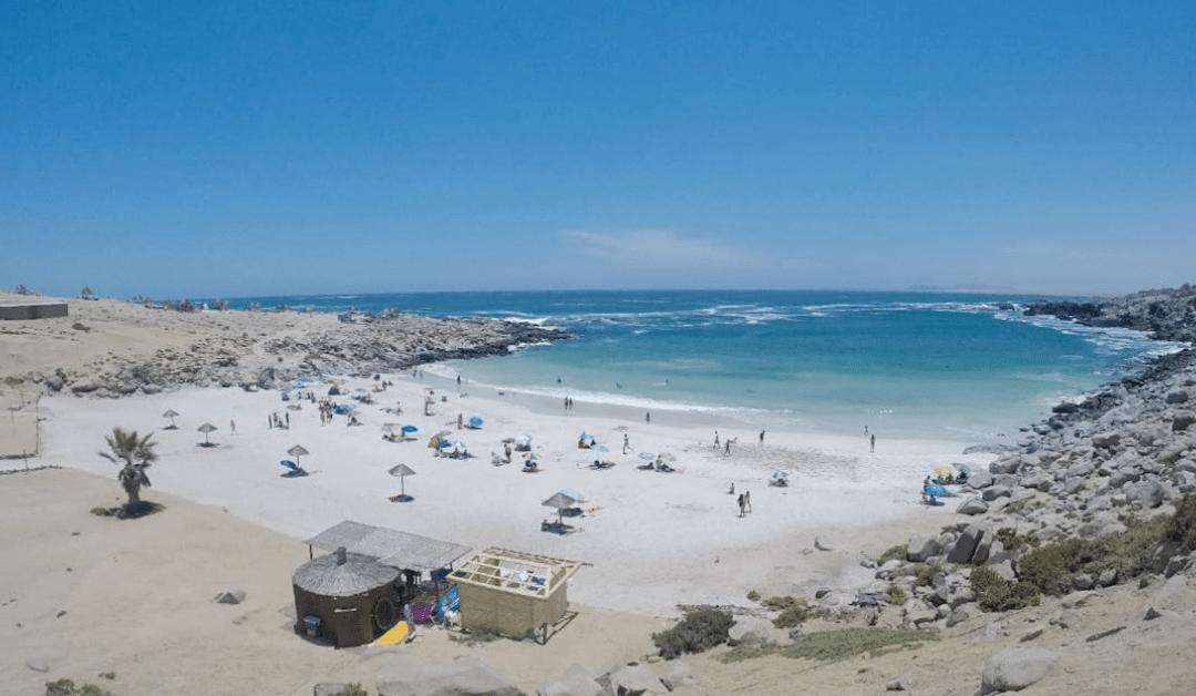 Todo sobre playa La Virgen: cómo llegar, dónde quedarse y más