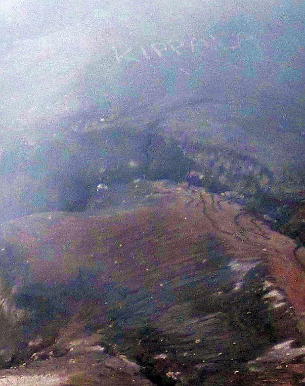 """...kraterio dugne, kai sumažėja dūmų, galima aiškiai įžiūrėti iš akmenų sudėliotą užratą """"Kippala"""". Klausėm vietinių, ką tai reiškia - nė vienas negalėjo pasakyti. Vėliau važiuodami klausėme  bendrakeleivių suomių. Jų versija - koks nors jų tėvynainis padaugino Bintango alaus, ir pasigedo saunos, o ją radęs nusprendė pasirašyti. Gal kas kitų versijų? :)"""