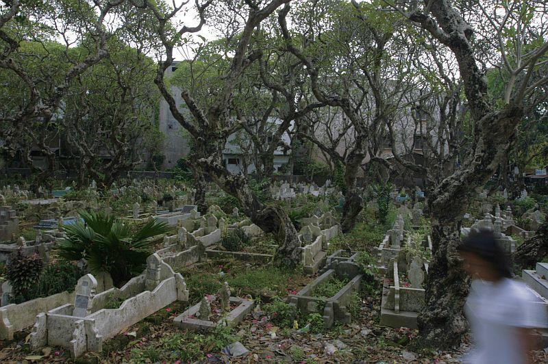 Musulmonų kapinės Medano mieste Sumatroje, Indonezija. Visai buvau pamiršęs.