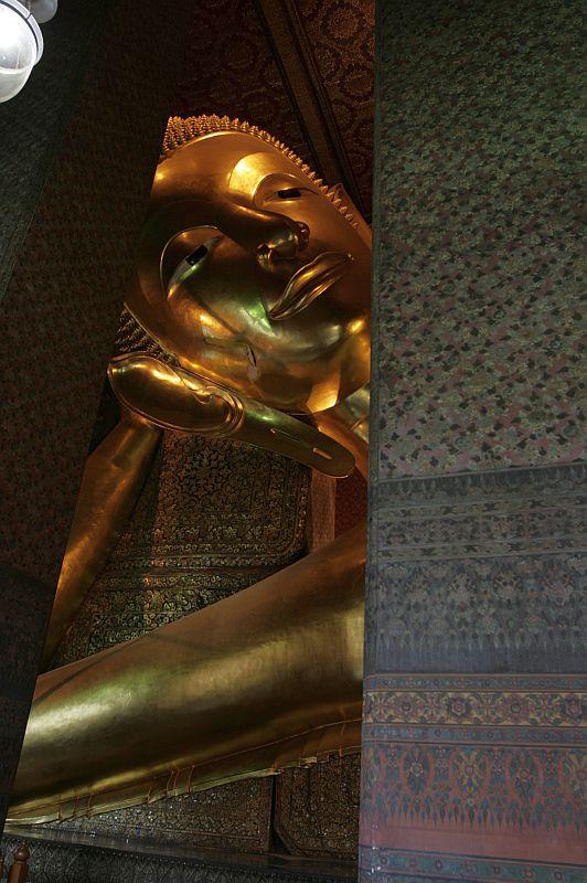 Bankoko gulintis Buda - didžiausias mano matytas dievybės atvaizdas.