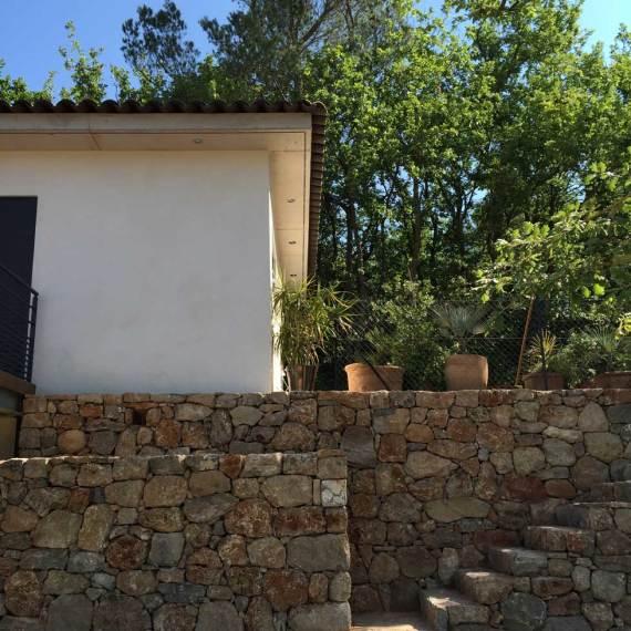 villa rougiers pierre escaliers