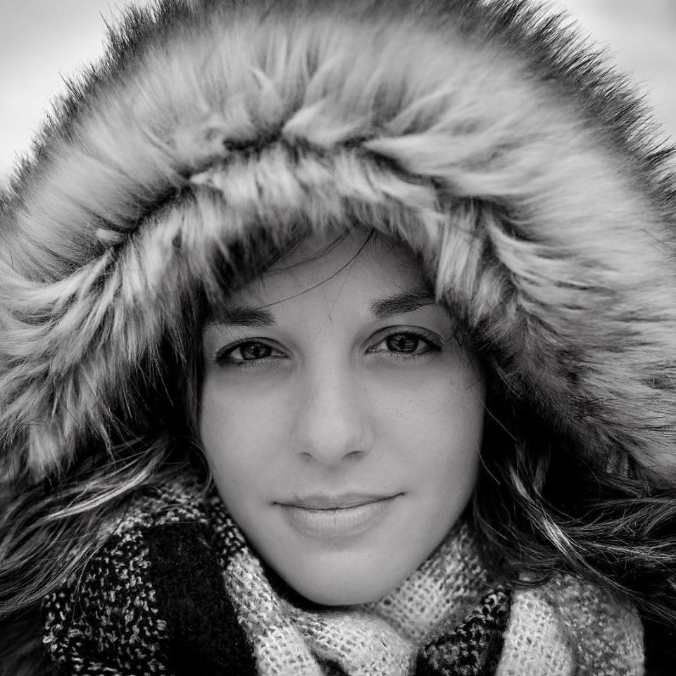 Winter portrait #winter #girl #woman #portrait #portraitphotography #blackandwhite #bnw #blackandwhitephotography #smile #nice #beauty #beautiful #picoftheday #instadaily #instagood #dailypic