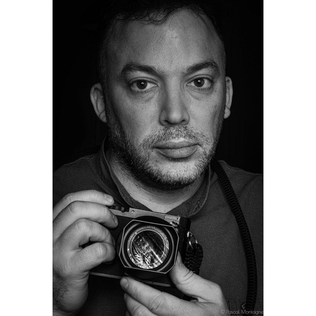 Autoportrait with profoto flash #autoportrait #blackandwhite #blackandwhitephotography #bnw #blackandwhitephoto #portrait #portraitphotography #portrait_shot #camera #profoto #instagood #instalike
