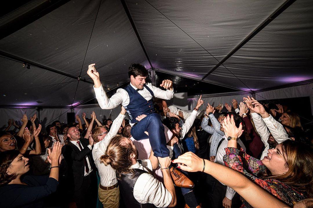 Wedding party #wedding #weddingsuit #weddingparty #party #weddingphotography #weddingphotographer #profoto #dance #instawedding #instagood