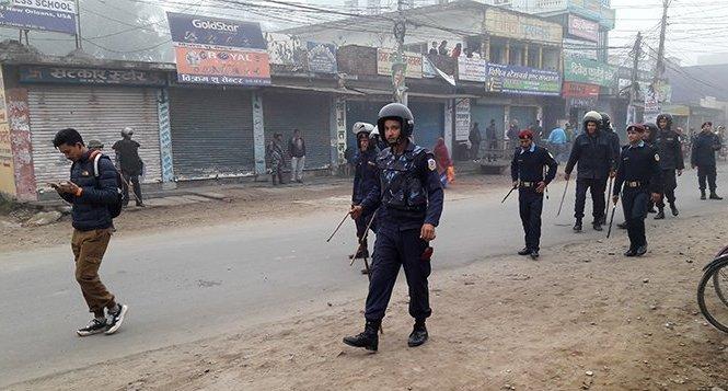 पश्चिम नेपालमा बन्दकाे अांशिक प्रभाव, दाङमा विप्लवका १० जना कार्यकर्ता पक्राउ