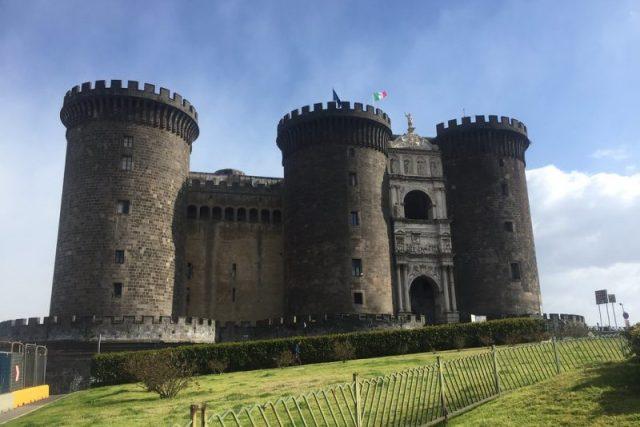 Castel Nuovo Napoles Italia