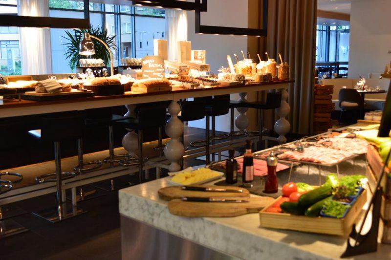Desayuno bufet Hotel Pullman Eindhoven Cocagne
