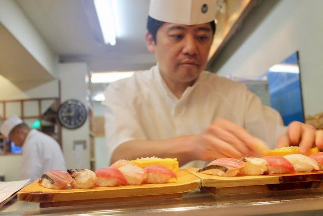 El maestro del sushi en Tsukiji