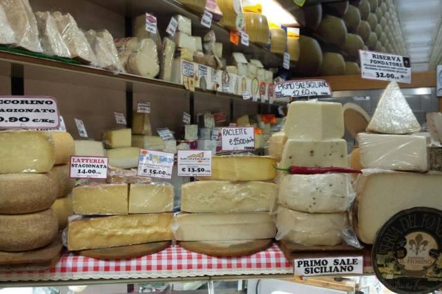 Mercato delle Erbe Bolonia