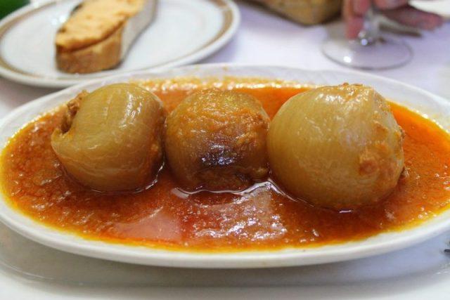 Cebollas rellenas de bonito Sidreria Diego Madrid