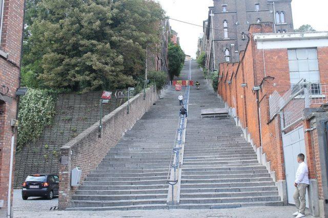 Escaleras Montaña Bueren Lieja Belgica