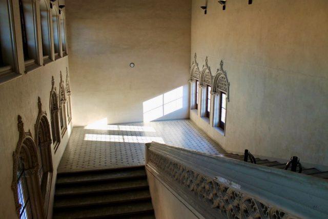 Escaleras Palacio de la Aljafería Zaragoza