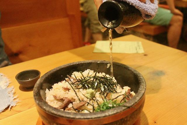 Hida beef 'Ishi-yaki-Hitsu-Mabuchi' with sake
