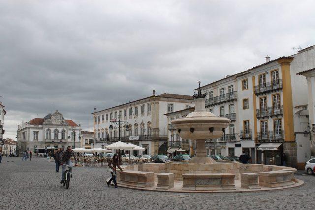 Plaza de Giraldo Evora Portugal