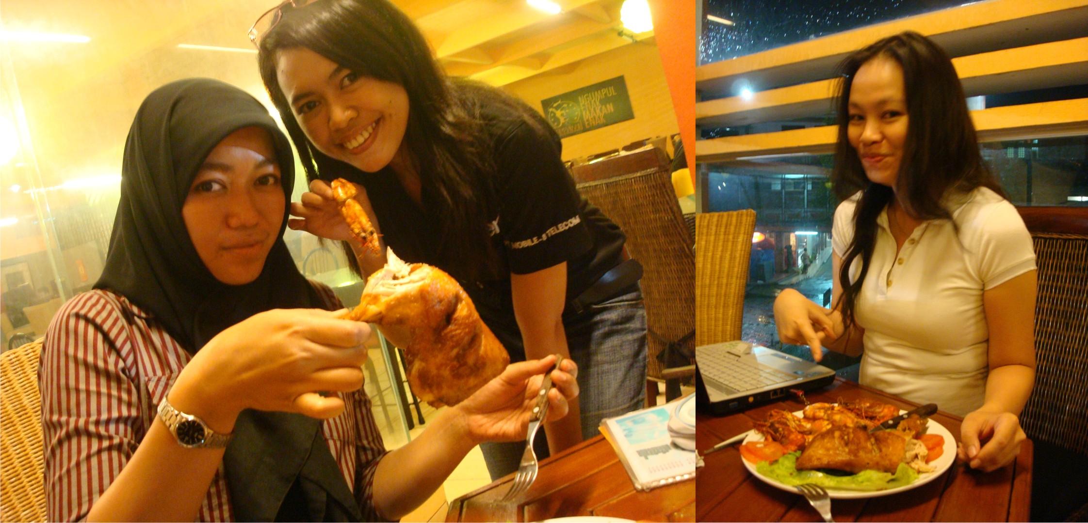 Ayam Segede Muka si Lala. Wew!