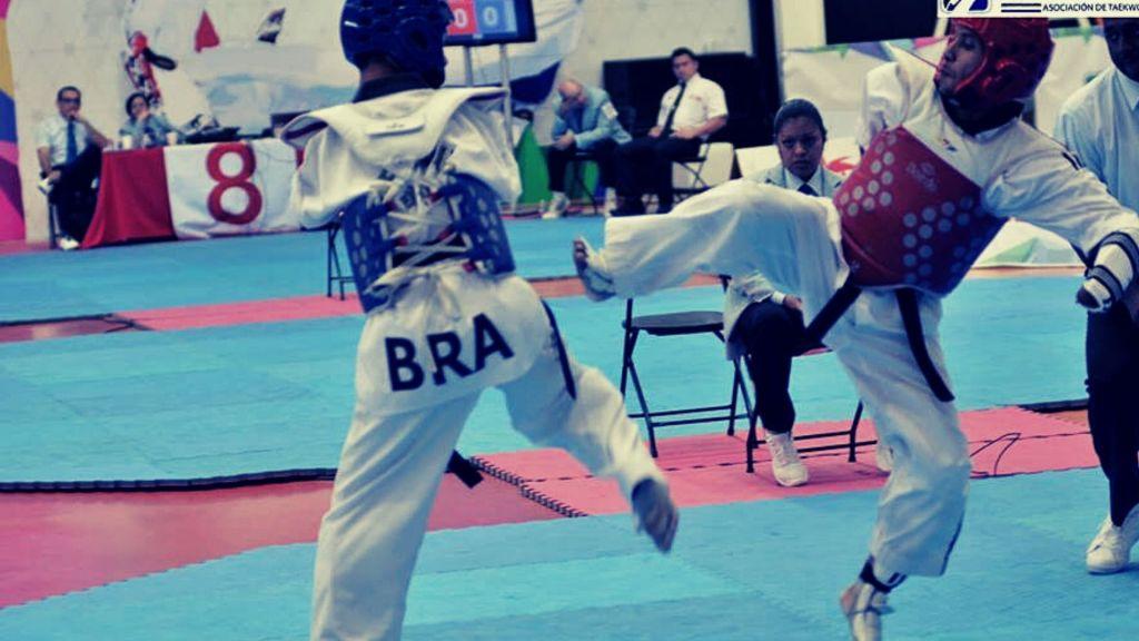 color peto combate taekwondo