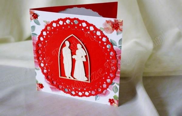 W czerwieni – kartka ślubna