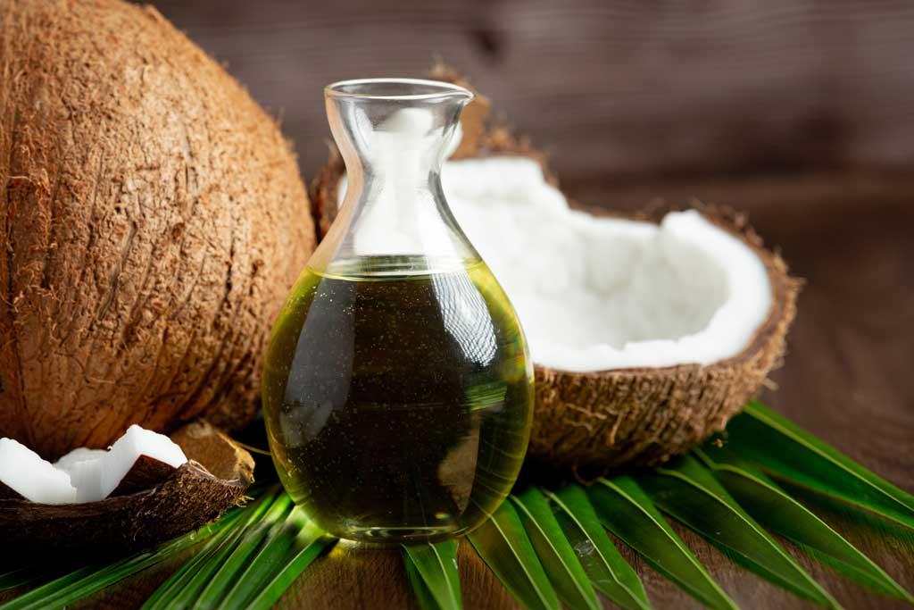 jak zwiększyć wartość odżywczą warzyw - dodać olej kokosowy