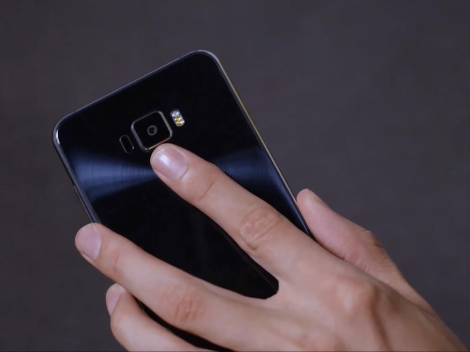 ASUS ZenFone 3 指紋認証センサー