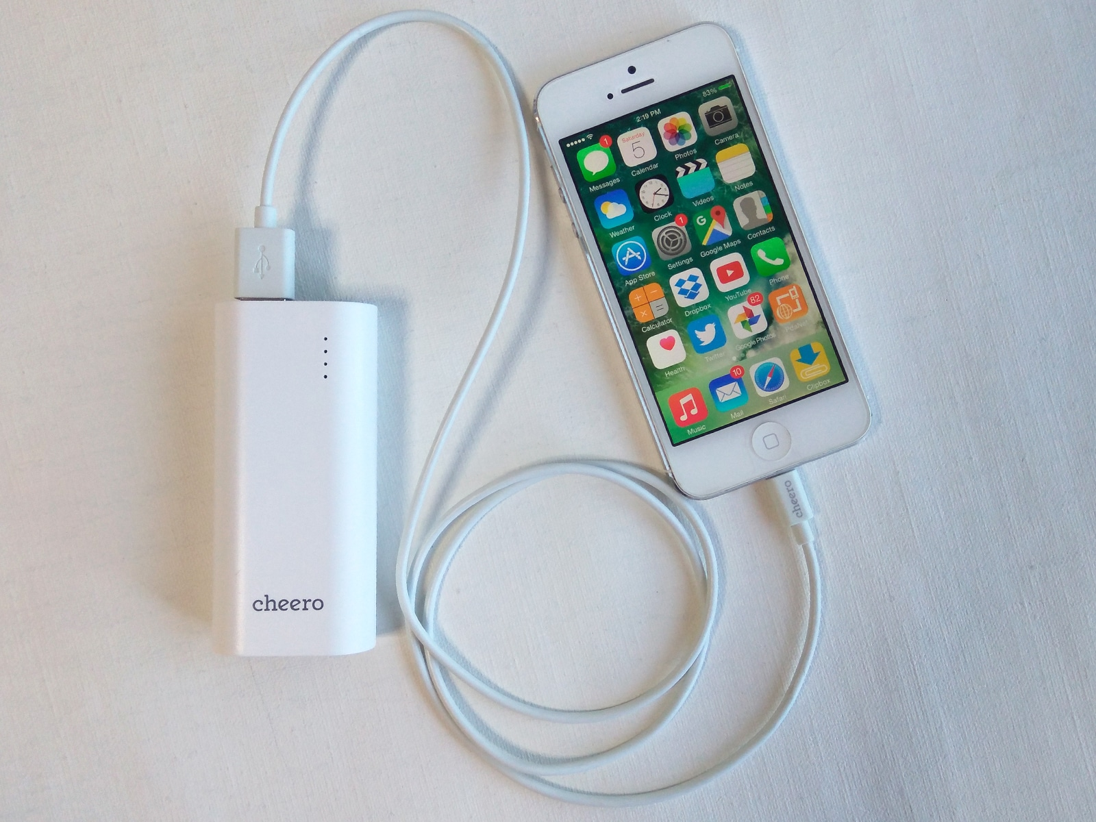 cheero Power Plus 3 mini 5200mAh iPhoneを充電