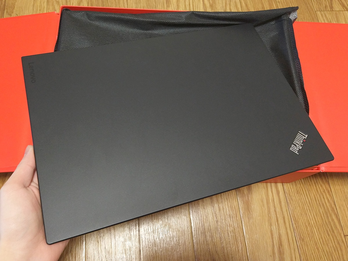 Lenovo ThinkPad X1 Carbon 開封 本体