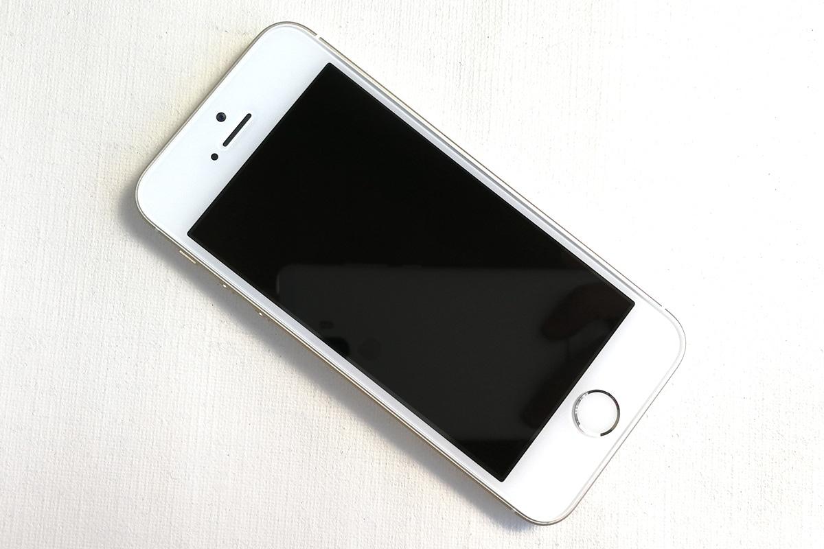 iPhone SE 前面