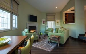 JUST Inn Isosceles suite living area