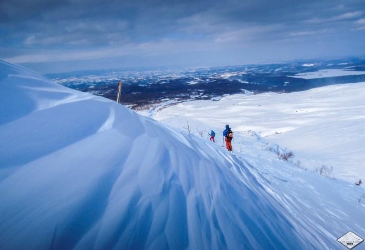 ski de rando à hokkaido - Japon www.pasquedescollants.com