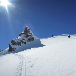 IRAN Expedition en ski de randonnee Iran nourouski http://pasquedescollants.com blog montagne et sport outdoor