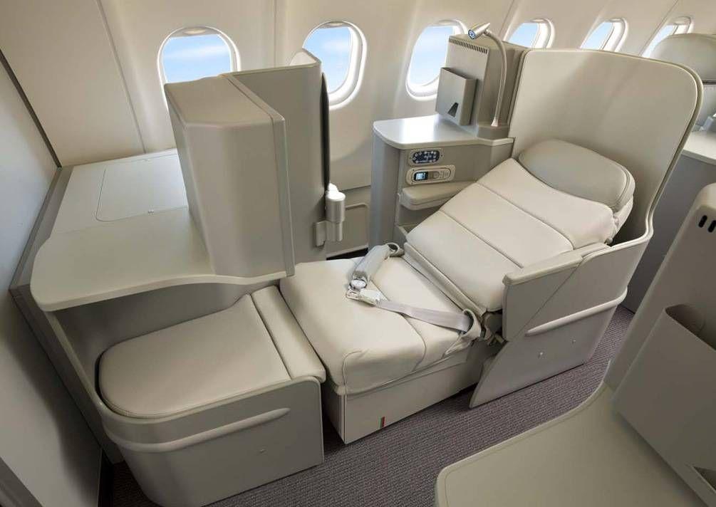 Alitalia_A330-200_Magnifica7
