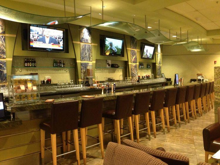 Admirals Club Miami
