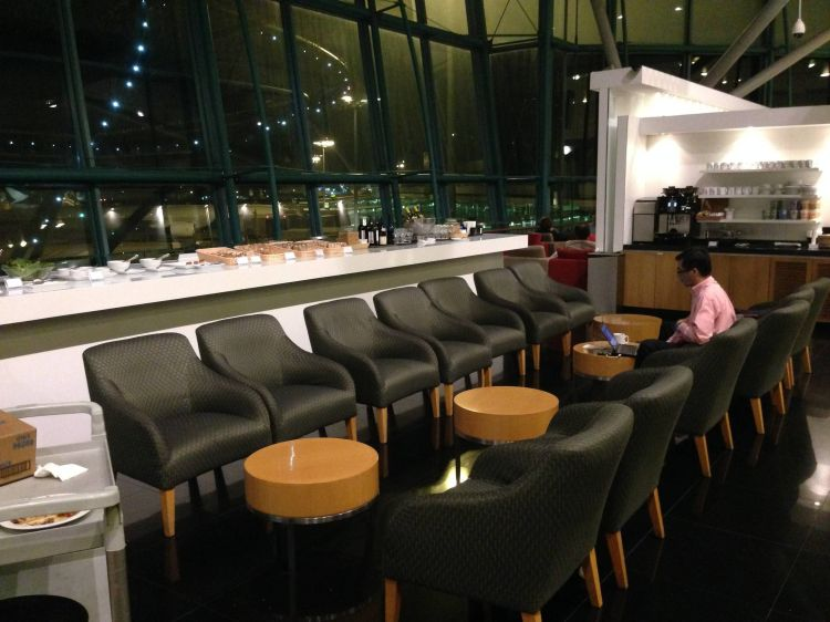 skyview lounge cathay pacific changi airport singapore