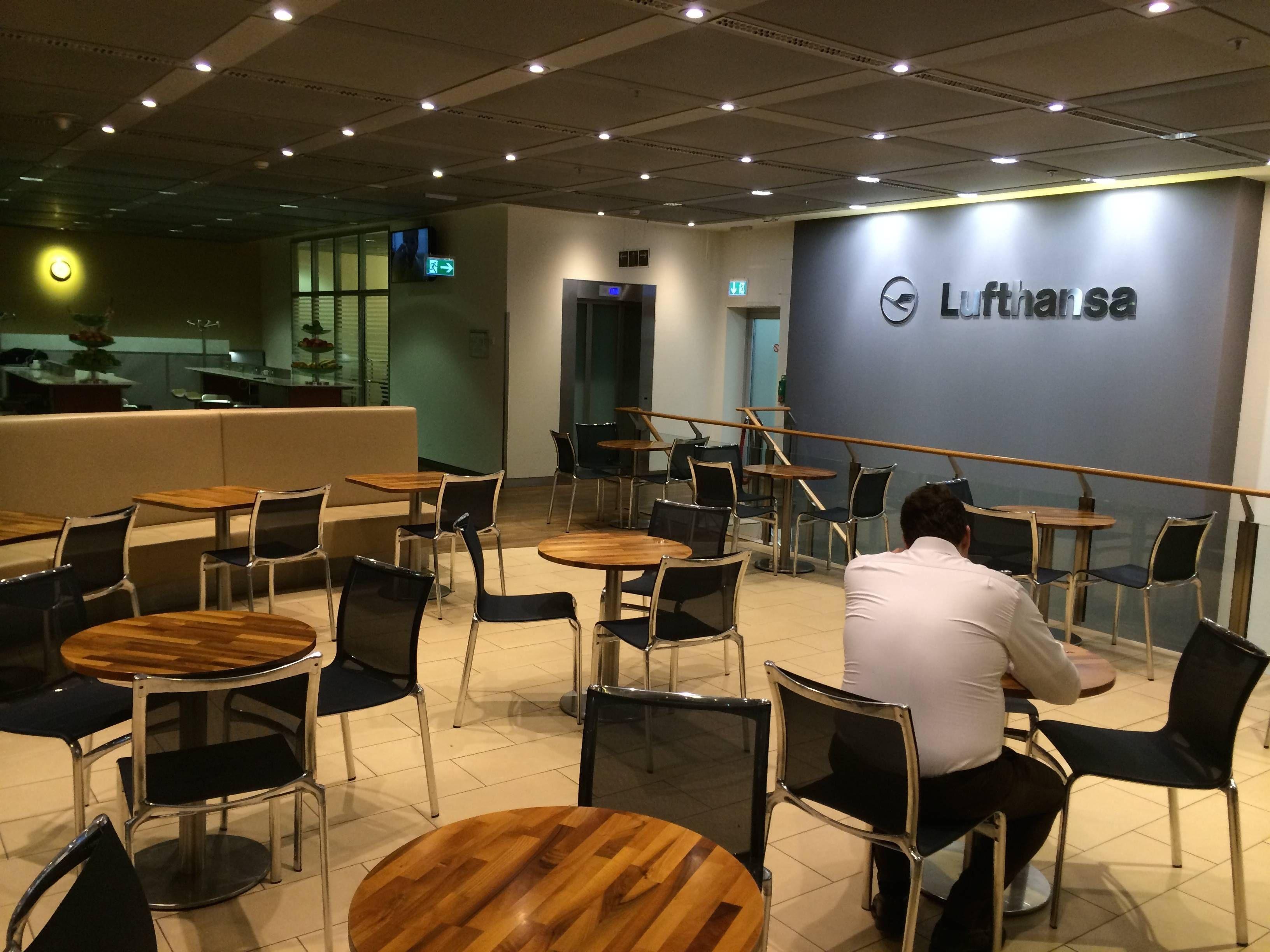 lufthansa arrival lounge frankfurt - passageirodeprimeira