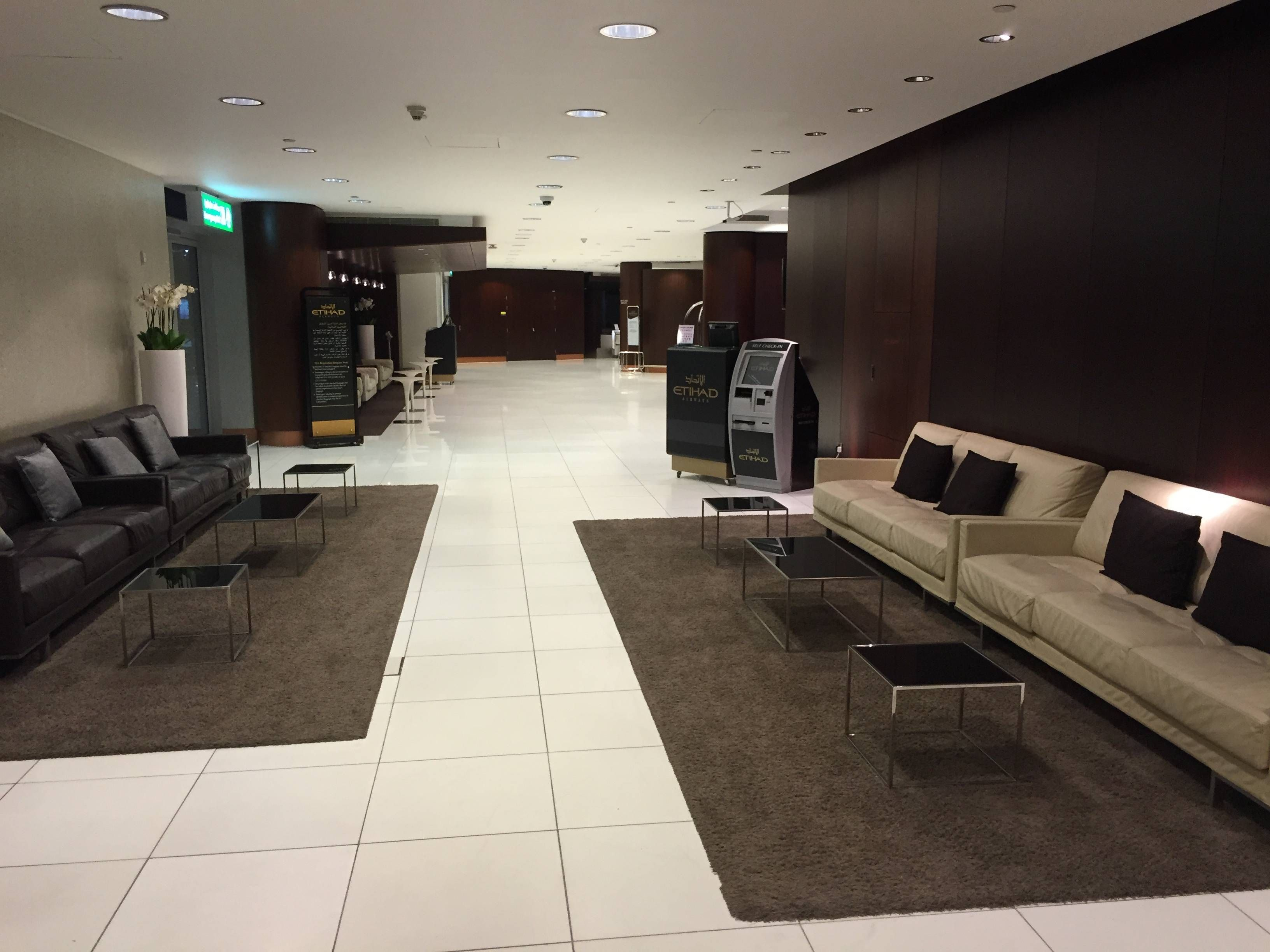 Etihad Premium Check-in Abu Dhabi Passageirodeprimeira4