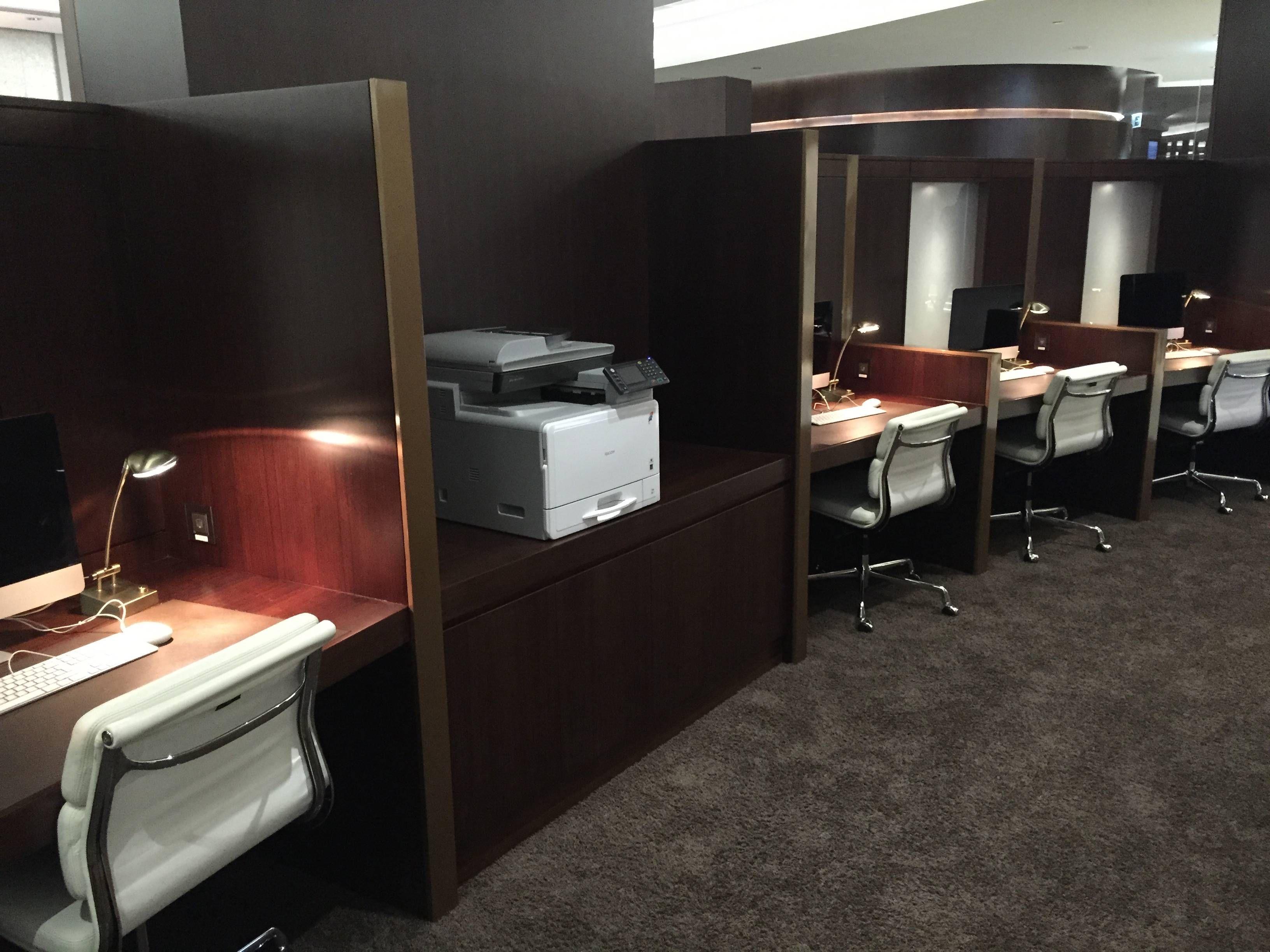 Etihad Premium Lounge Abu Dhabi - Passageiro de Primeira23