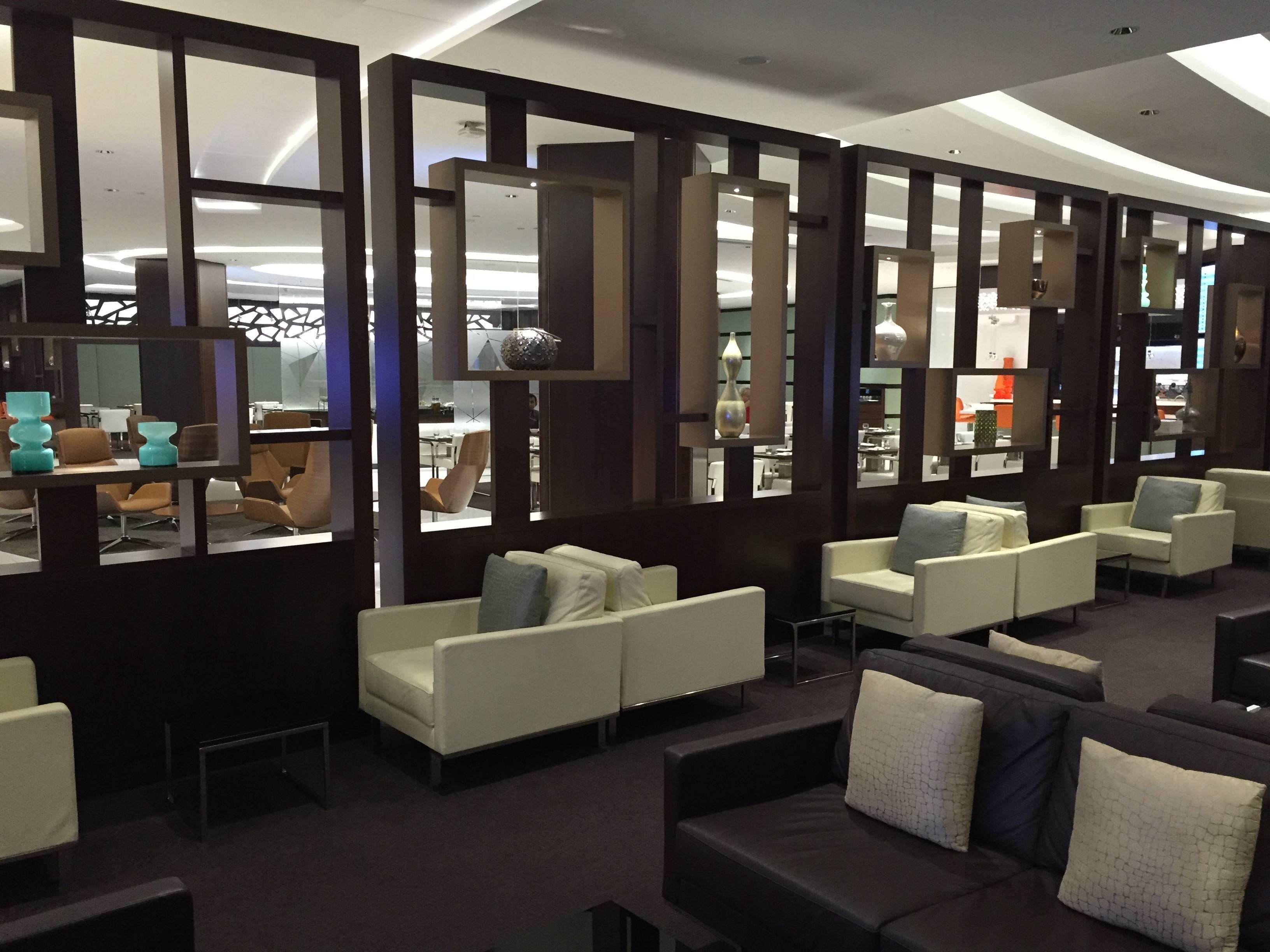 Etihad Premium Lounge Abu Dhabi - Passageiro de Primeira3