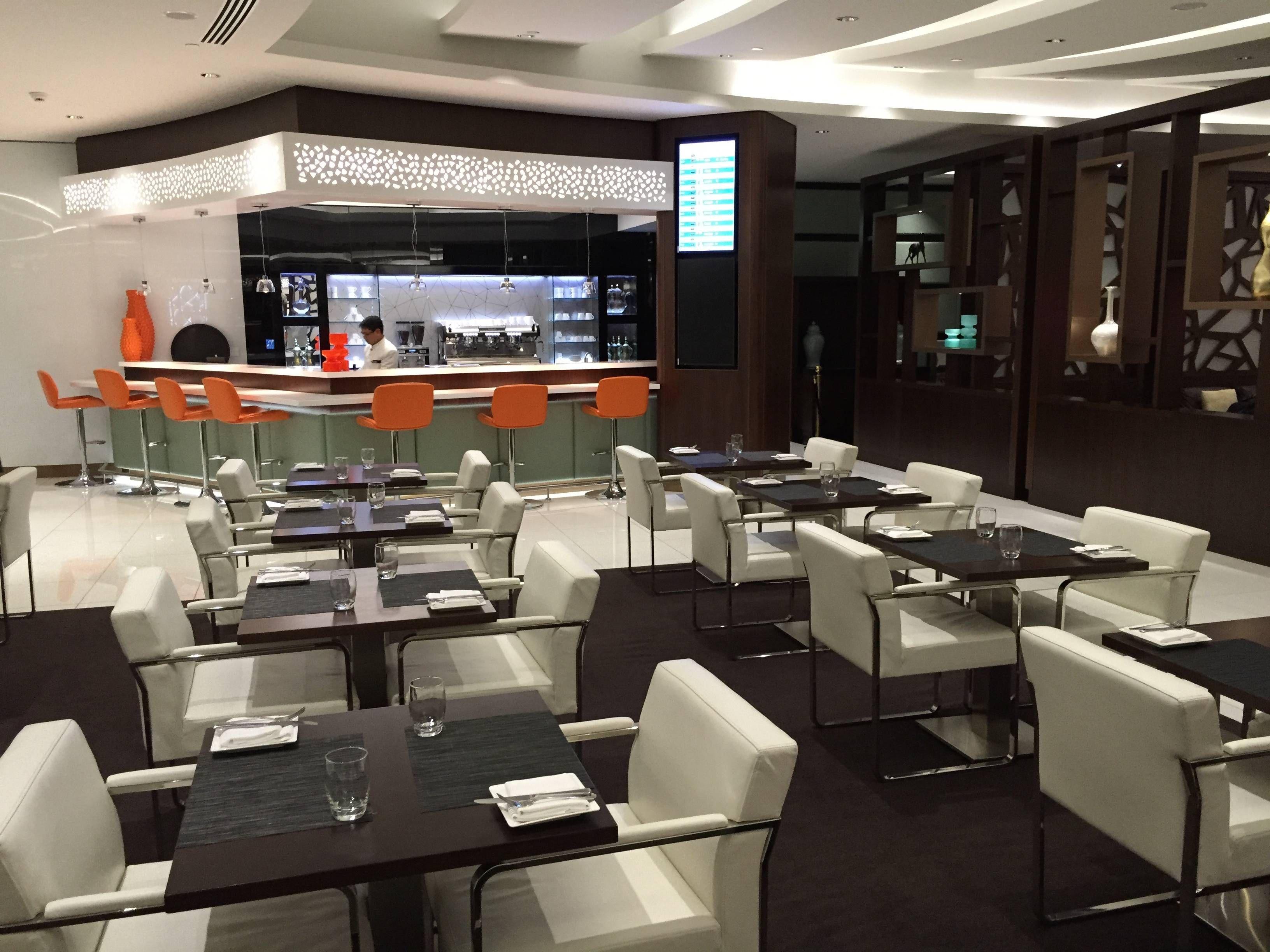 Etihad Premium Lounge Abu Dhabi - Passageiro de Primeira34