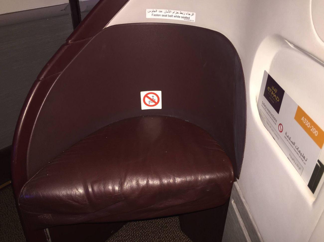 Jet Airways A330 Business Class Etihad Passageirodeprimeira -014