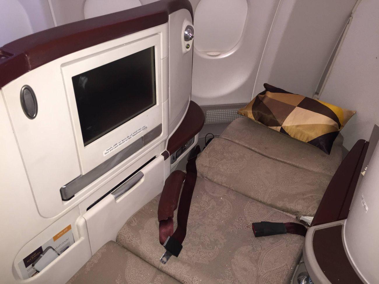 Jet Airways A330 Business Class Etihad Passageirodeprimeira -027